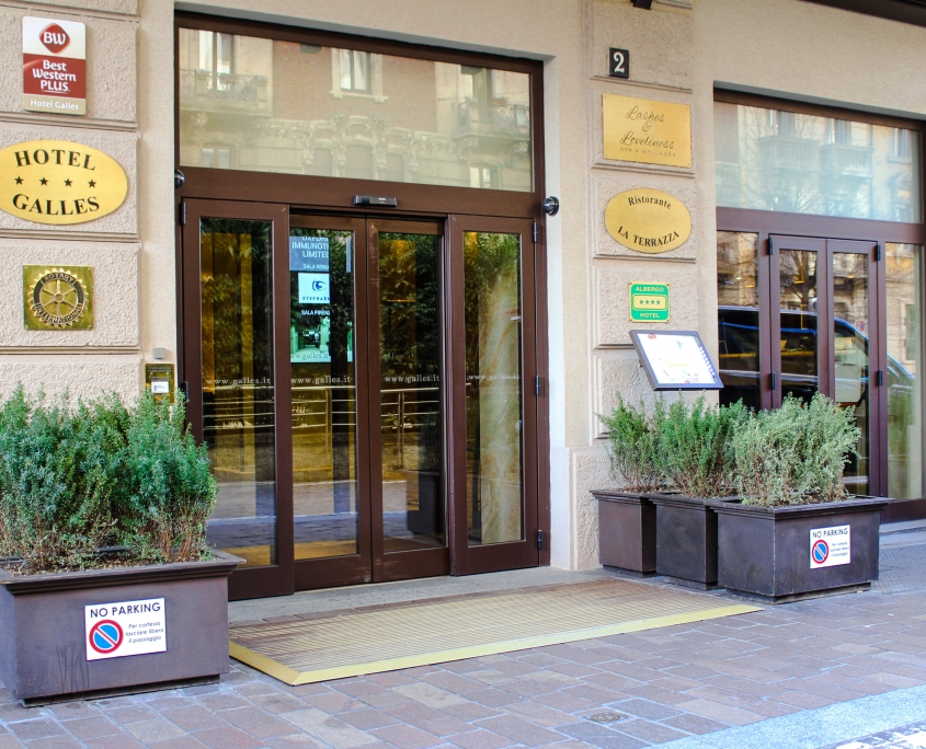 Entrance Hotel Galles Milan Piazza Lima