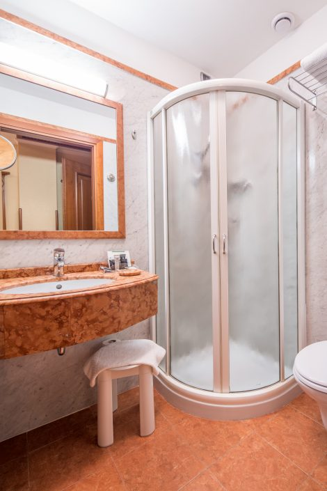 Single Room - Hotel Galles
