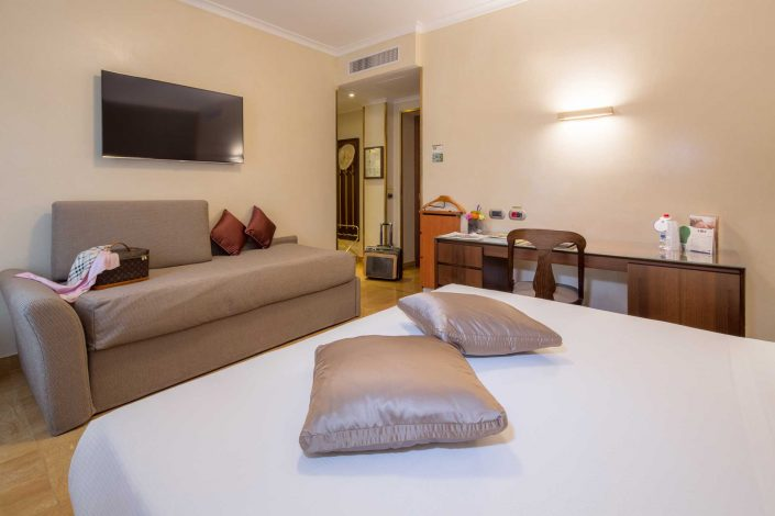 Triple Rooms with sofa - Hotel 4-star Milan