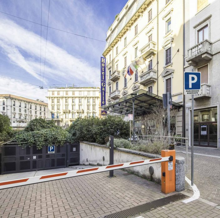 Private garage Hotel 4-star Milan Centre